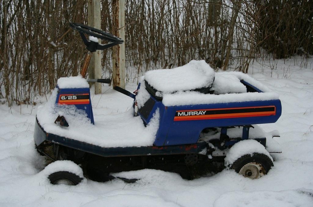 Gartengeräte sollten im Winter trocken und niemals im Freien aufbewahrt werden